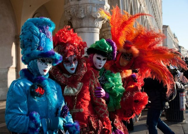 46b1e866-915a-4e47-9287-b4288e22e15f.Venice-Carnival
