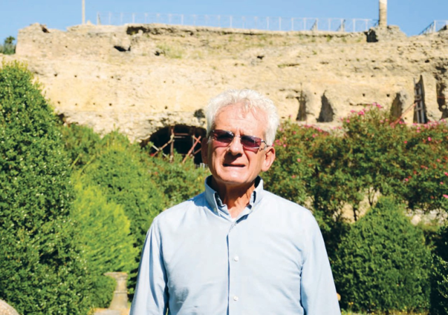 Historian and Guide - Signor Gennaro leads guests through the ruins of Pompeii